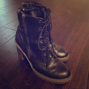White Mountain Black Platform Boots